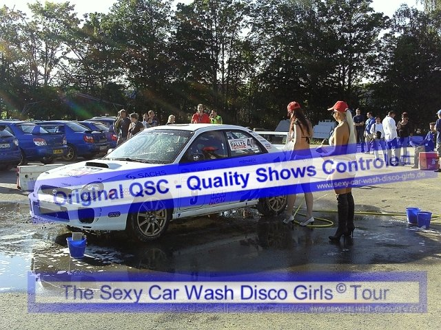 Sexy car wash disco girls